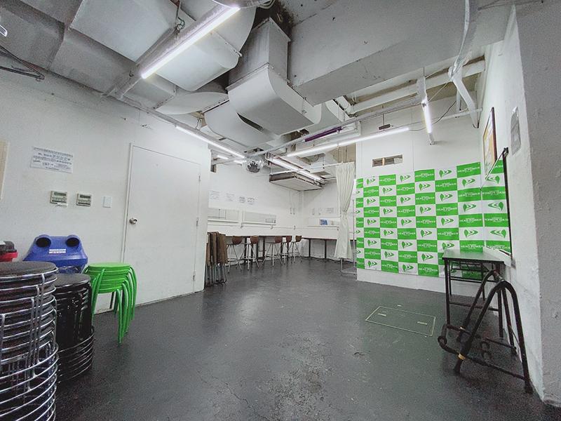 新宿HEAD POWERの内観写真